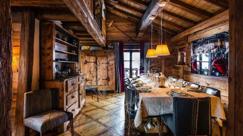 Blue_Collection_Luxury_Villa_Chalet_Rentals_Premium_Services (9)