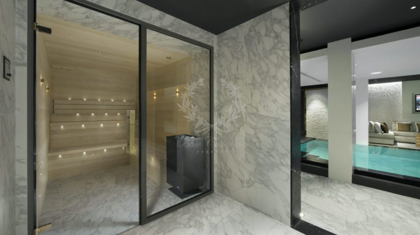 Luxury_Ski_Chalet_to_Rent_Courchevel_1850_FCR10 (29)