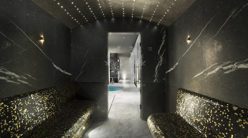 Luxury_Ski_Chalet_to_Rent_Courchevel_1850_FCR10 (30)