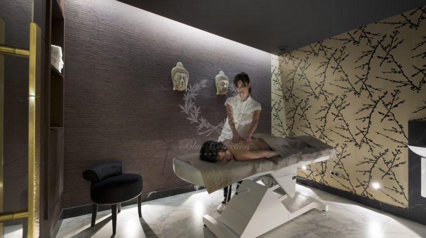 Luxury_Ski_Chalet_to_Rent_Courchevel_1850_FCR10 (31)