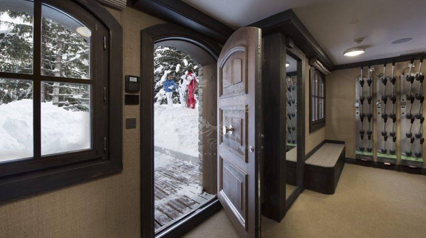 Luxury_Ski_Chalet_to_Rent_Courchevel_1850_FCR10 (33)