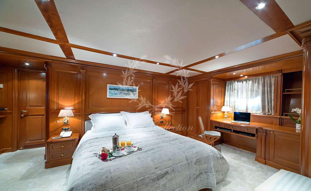 Greece_Luxury_Yachts_AQUILA-(12)