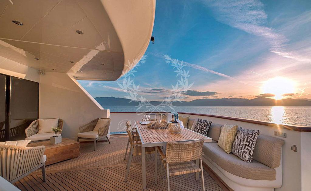 Greece_Luxury_Yachts_AQUILA-(3)