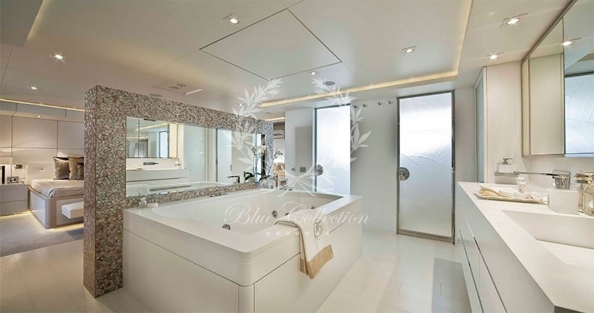 Greece_Luxury_Yachts_LIGHT_HOLIC-(18)
