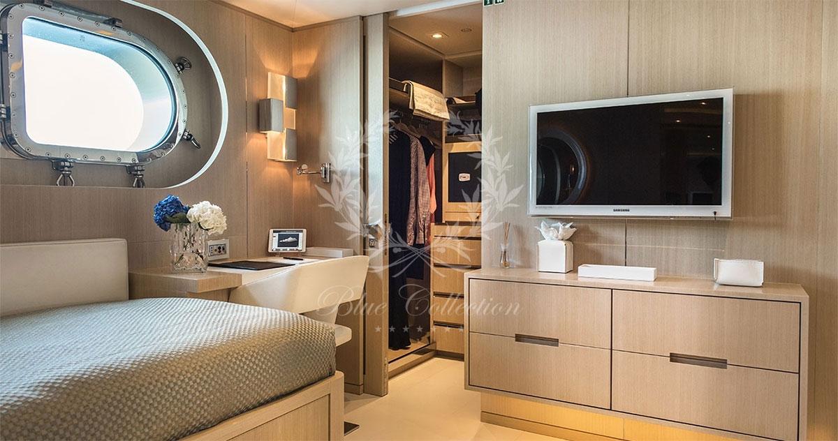 Greece_Luxury_Yachts_LIGHT_HOLIC-(23)