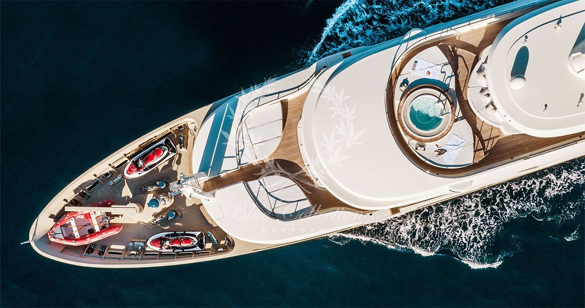 Greece_Luxury_Yachts_LIGHT_HOLIC-(3)