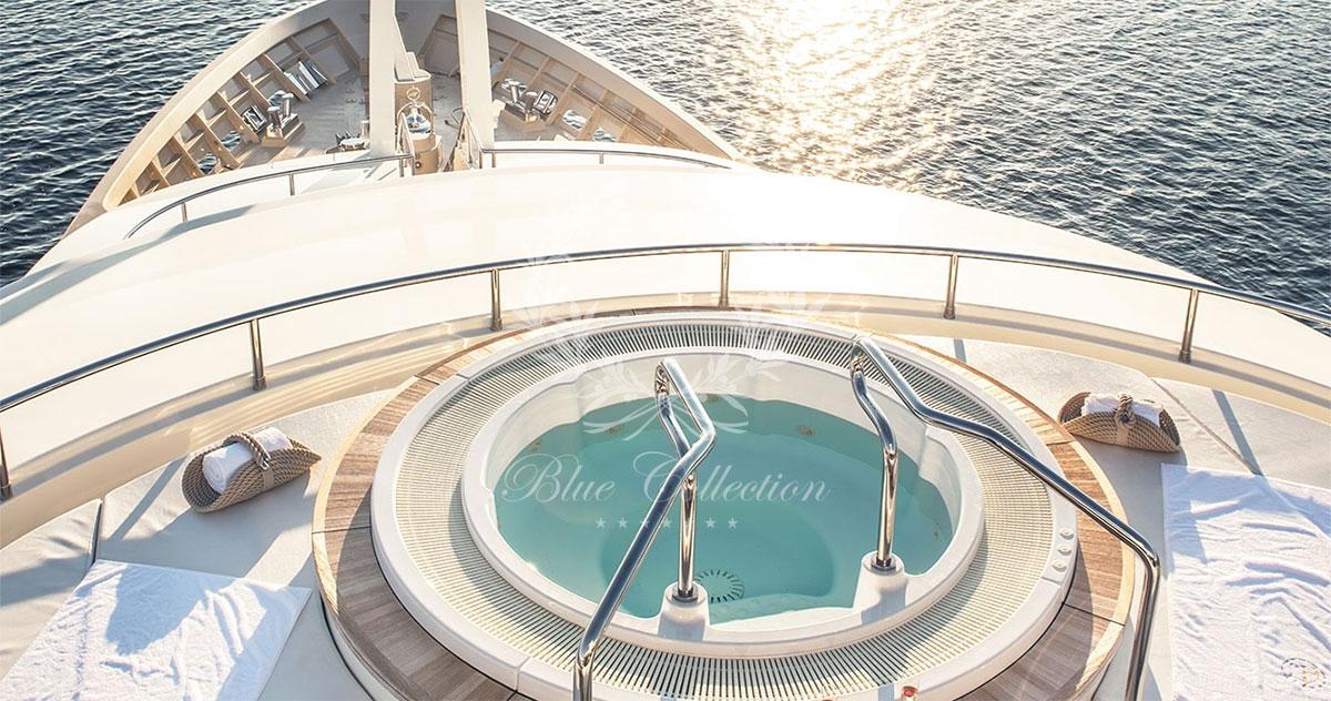Greece_Luxury_Yachts_LIGHT_HOLIC-(4)