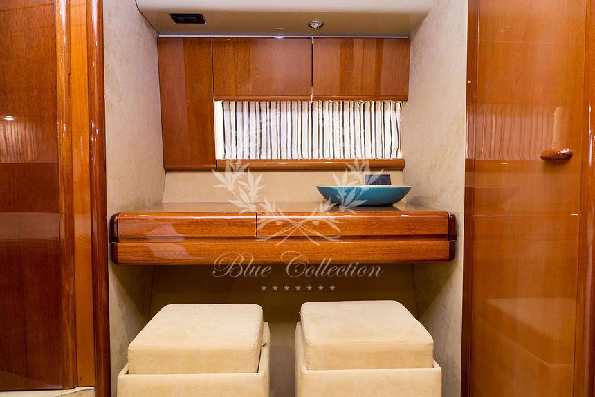Greece_Luxury_Yachts_MY_Ferretti_FlyBridge-62-(11)