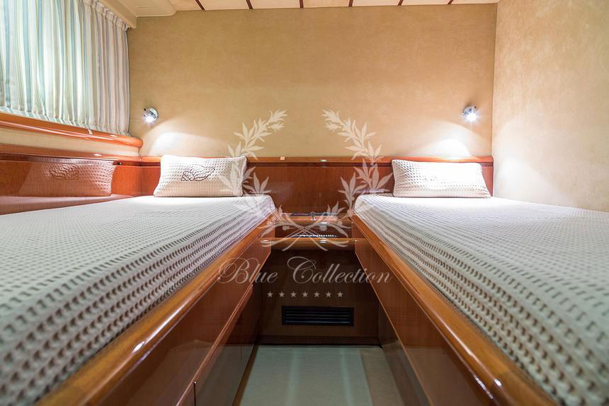 Greece_Luxury_Yachts_MY_Ferretti_FlyBridge-62-(12)