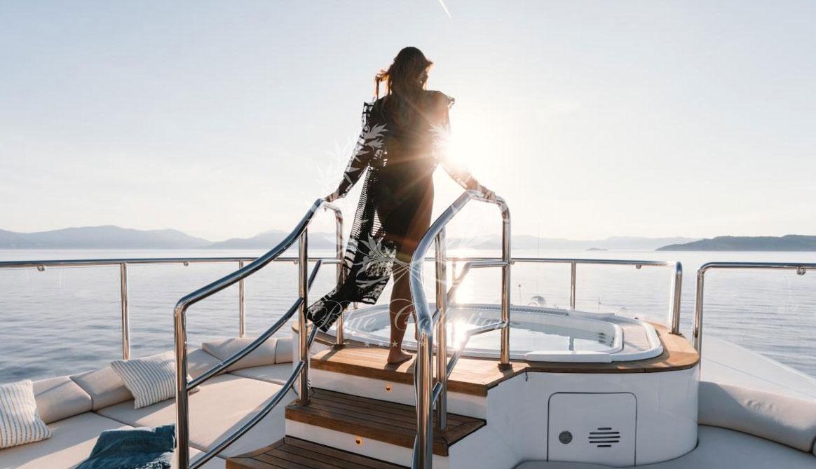 Greece_Luxury_Yachts_MY_O-MATHILDE-(17)