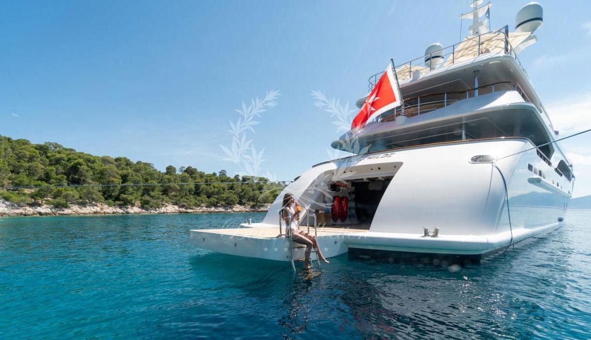 Greece_Luxury_Yachts_MY_O-MATHILDE-(18)