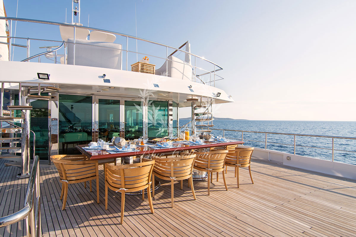 Greece_Luxury_Yachts_MY_O-NATALINA-(2)