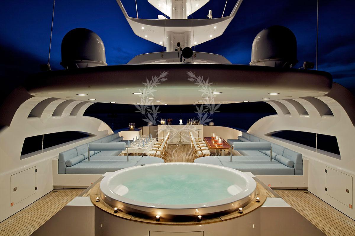 Greece_Luxury_Yachts_MY_O-NEIRO-(32)