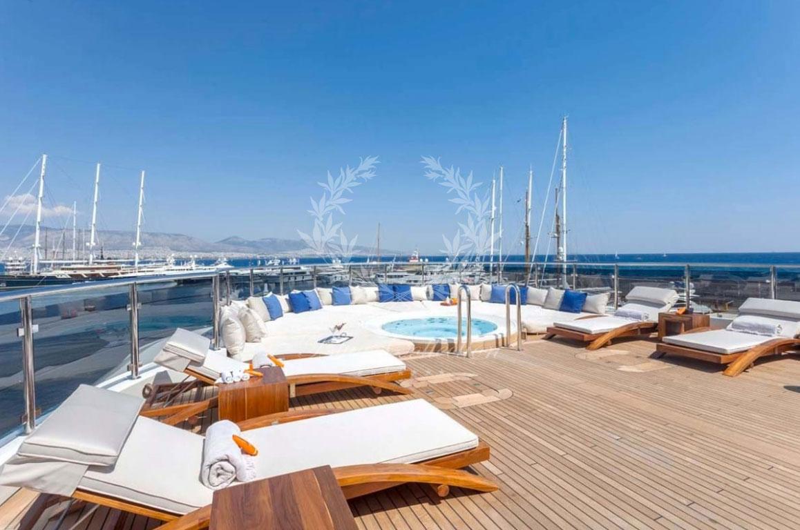 Greece_Luxury_Yachts_O_MEGA-(2)