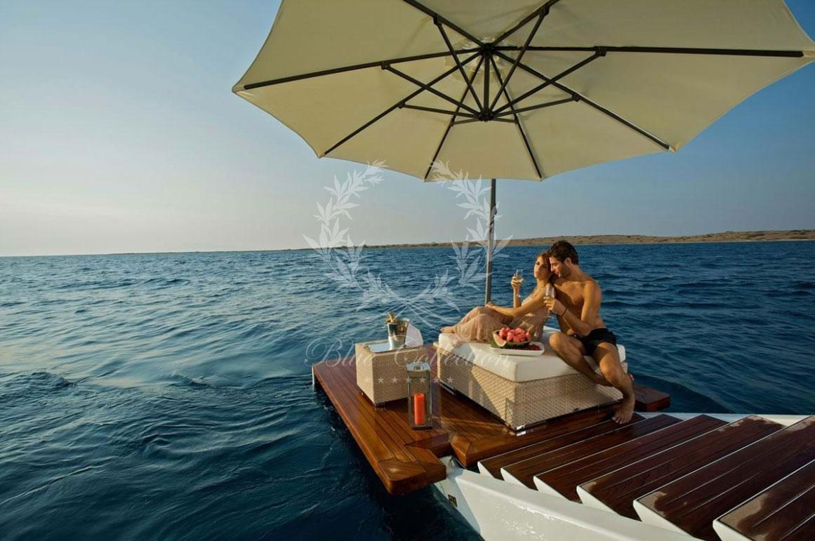 Greece_Luxury_Yachts_O_MEGA-(26)