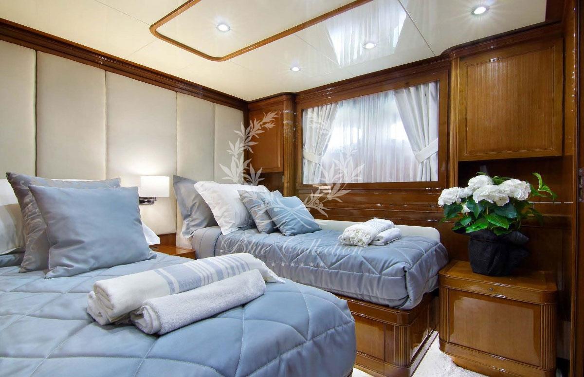 Greece_Luxury_Yachts_MY_ELVI-(20)