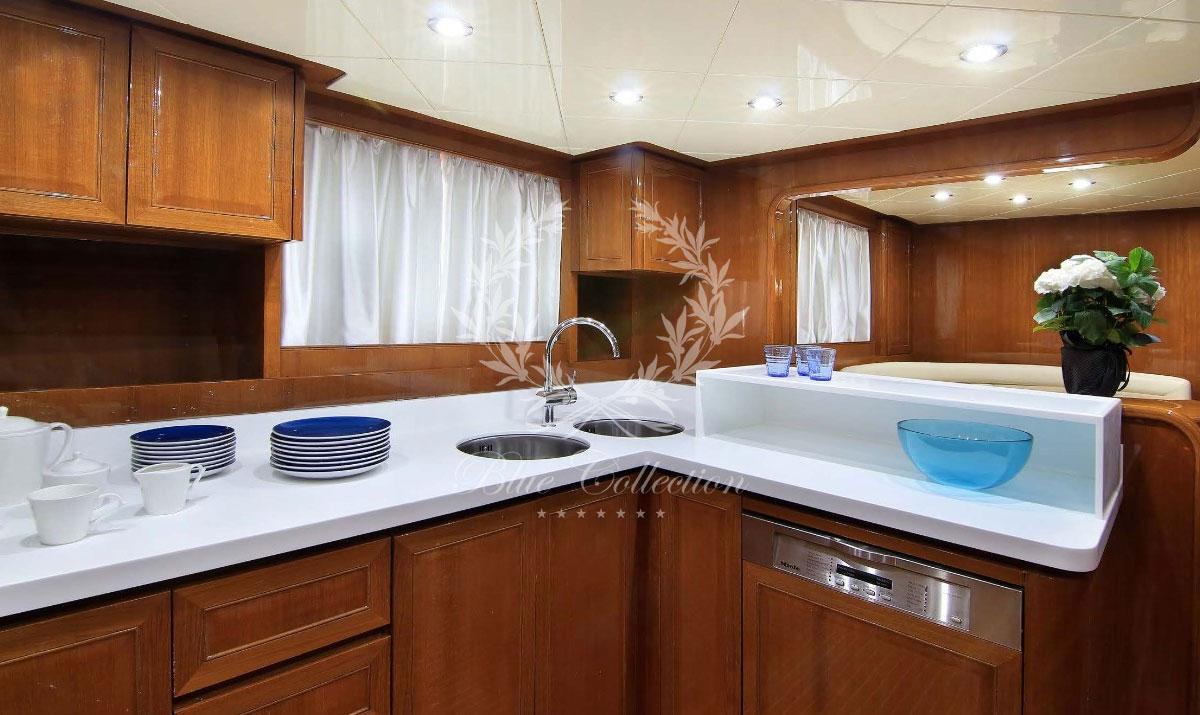 Greece_Luxury_Yachts_MY_ELVI-(23)