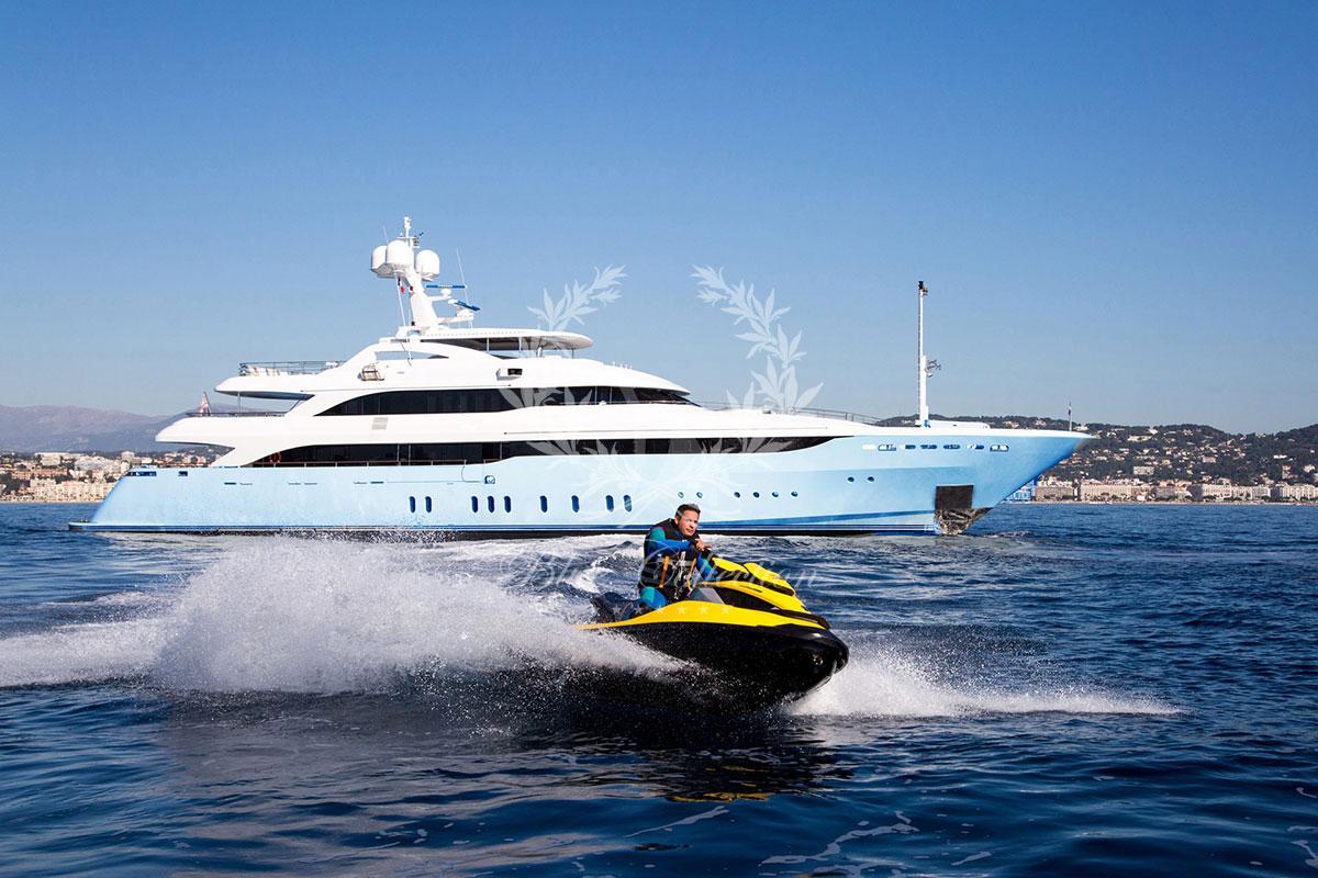 Greece_Luxury_Yachts_MY_VERTIGO-(2)