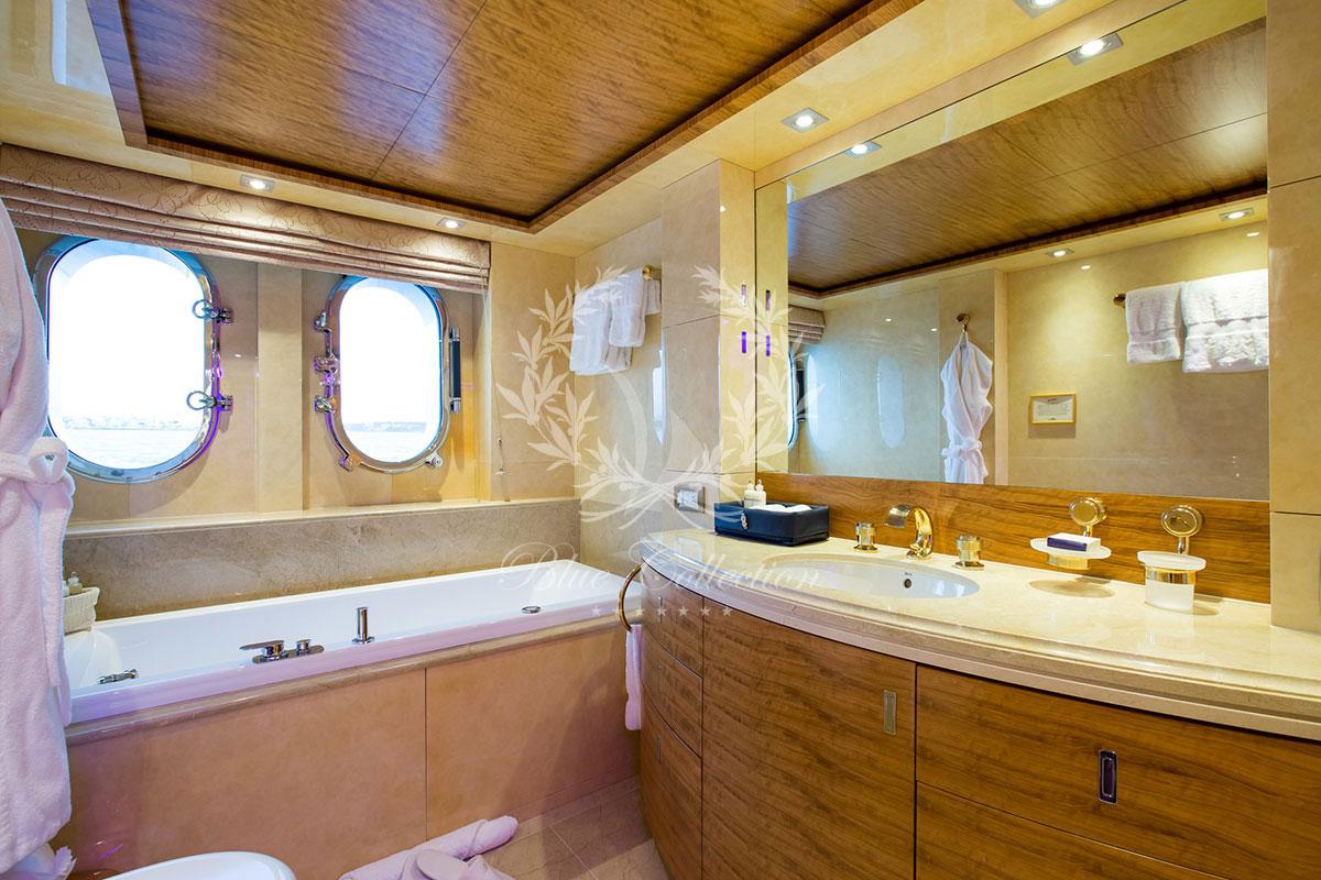 Greece_Luxury_Yachts_MY_VERTIGO-(27)