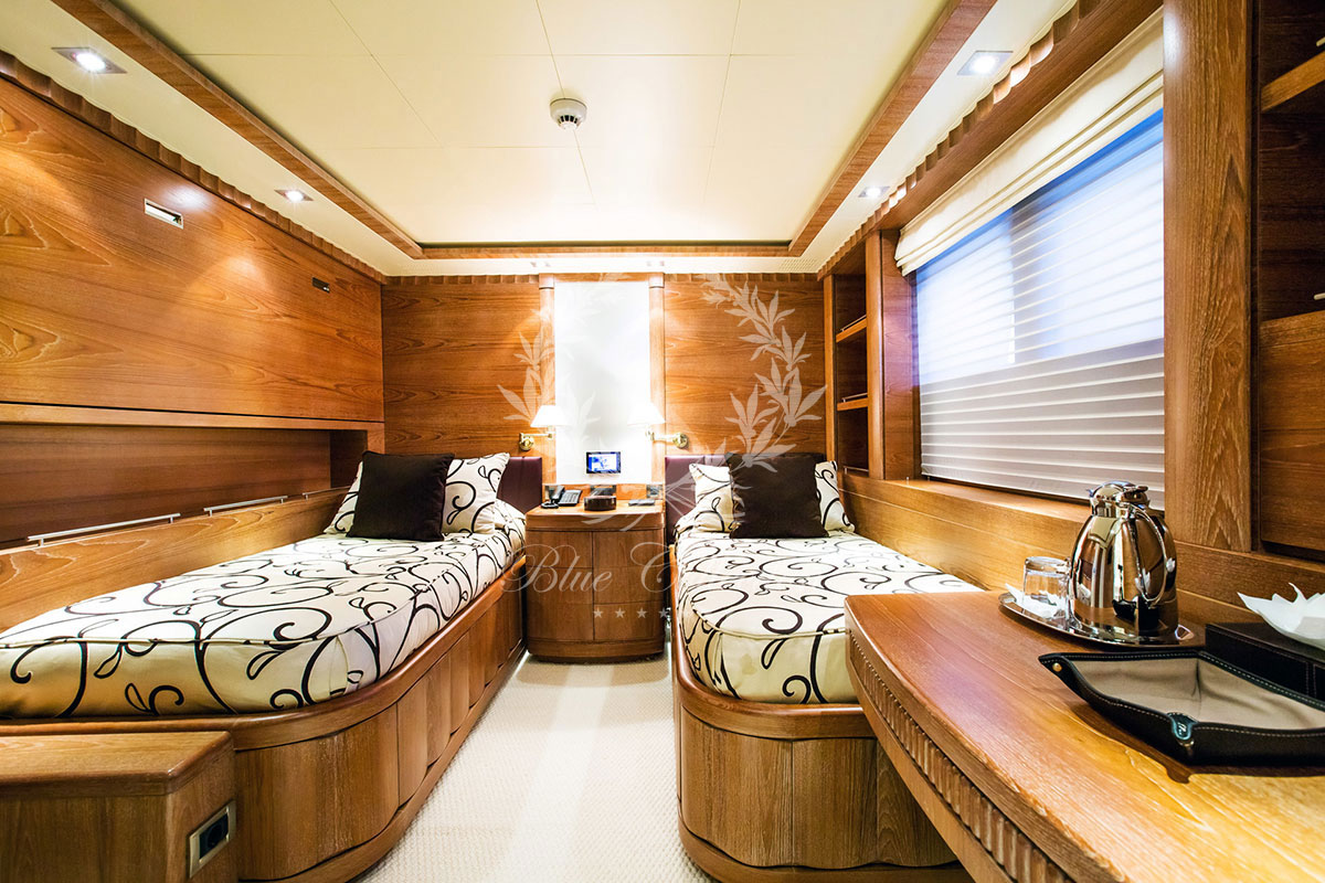 Greece_Luxury_Yachts_MY_VERTIGO-(28)