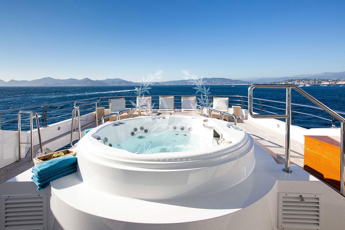 Greece_Luxury_Yachts_MY_VERTIGO-(43)