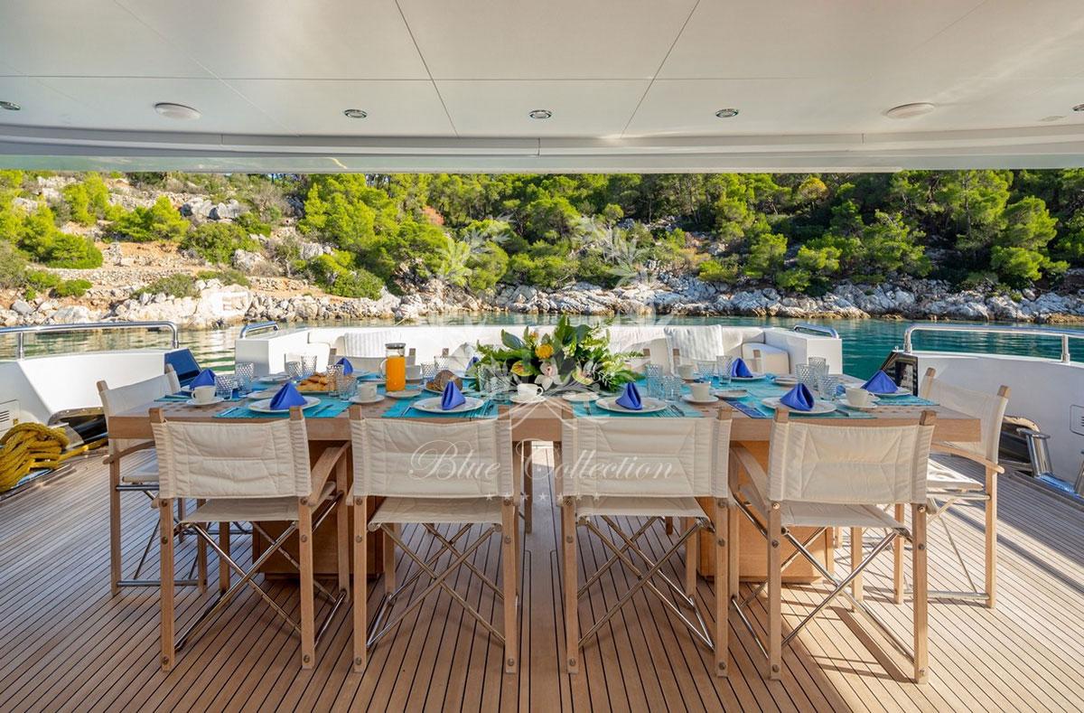 Greece_Luxury_Yachts_MY_ZALIV_III-(32)