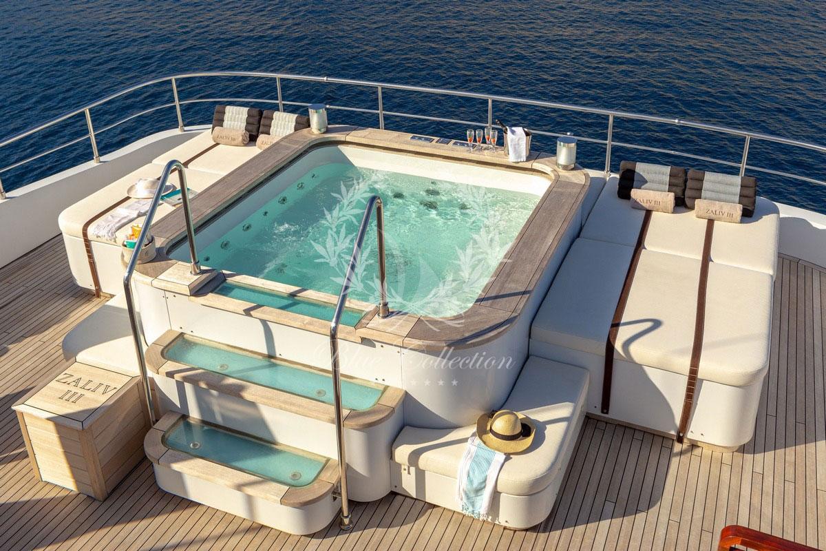 Greece_Luxury_Yachts_MY_ZALIV_III-(38)