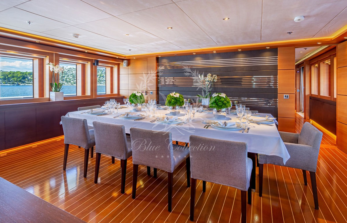 Greece_Luxury_Yachts_MY_ZALIV_III-(6)