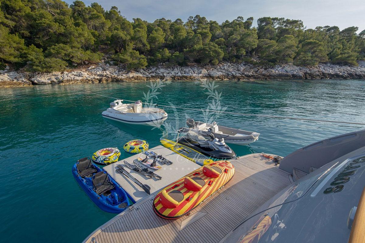 Greece_Luxury_Yachts_MY_GLAROS-(23)