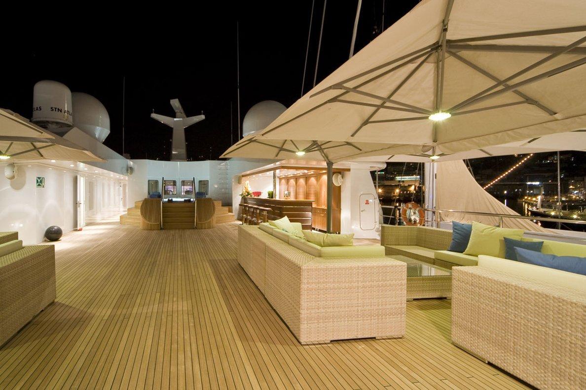Greece_Luxury_Yachts_MY_LAUREN-L (10)