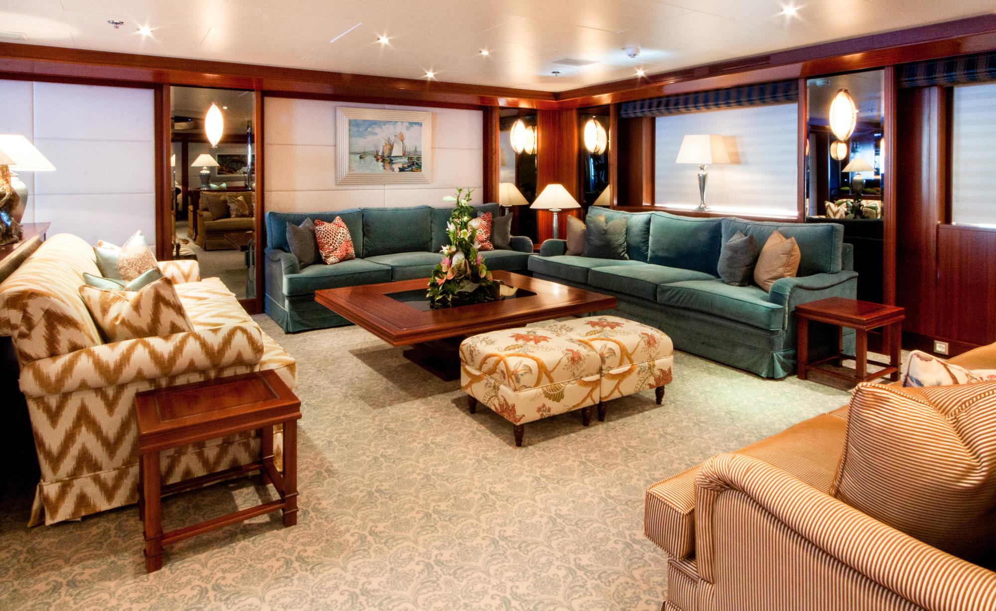 Greece_Luxury_Yachts_MY_LAUREN-L (11)