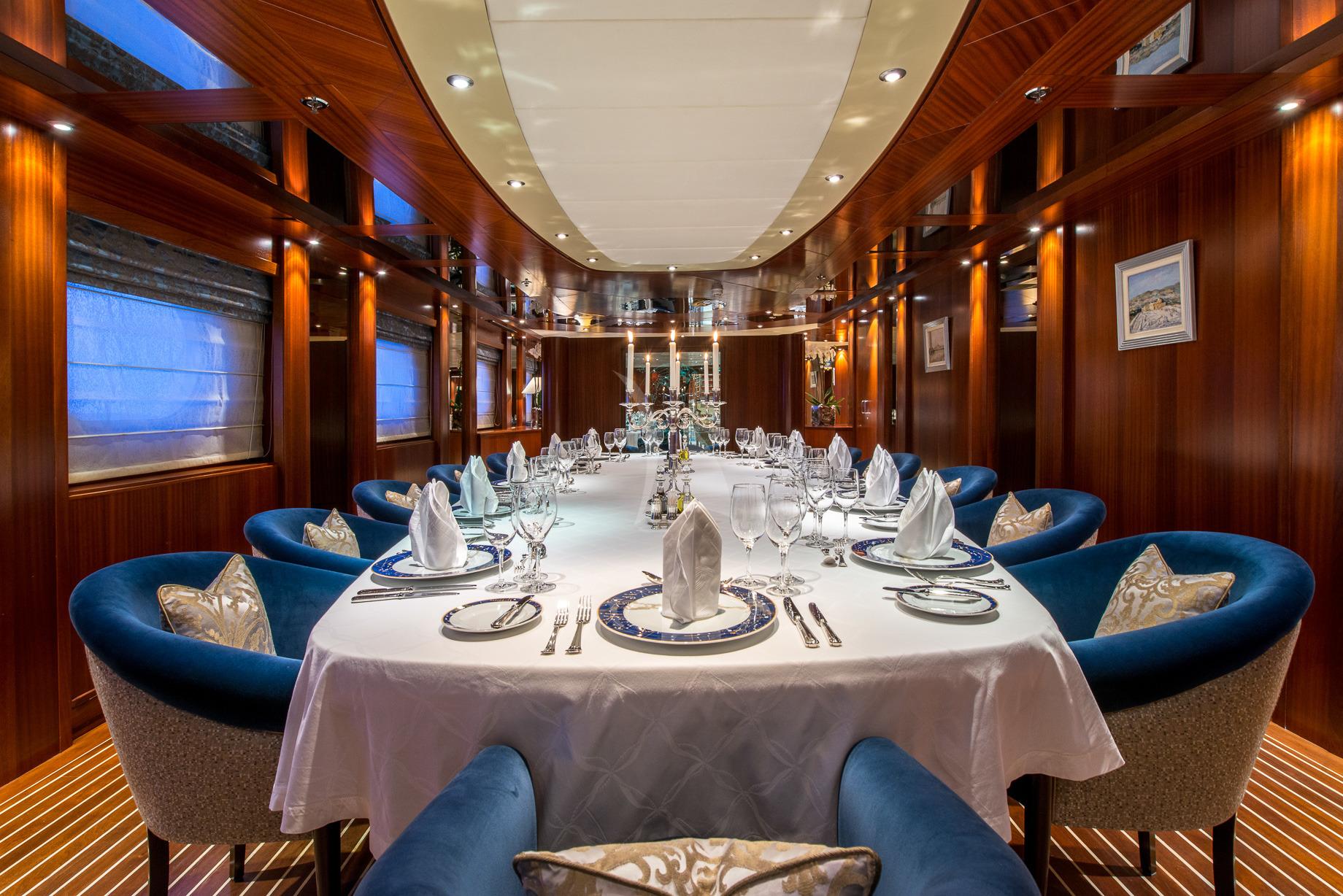 Greece_Luxury_Yachts_MY_LAUREN-L (18)
