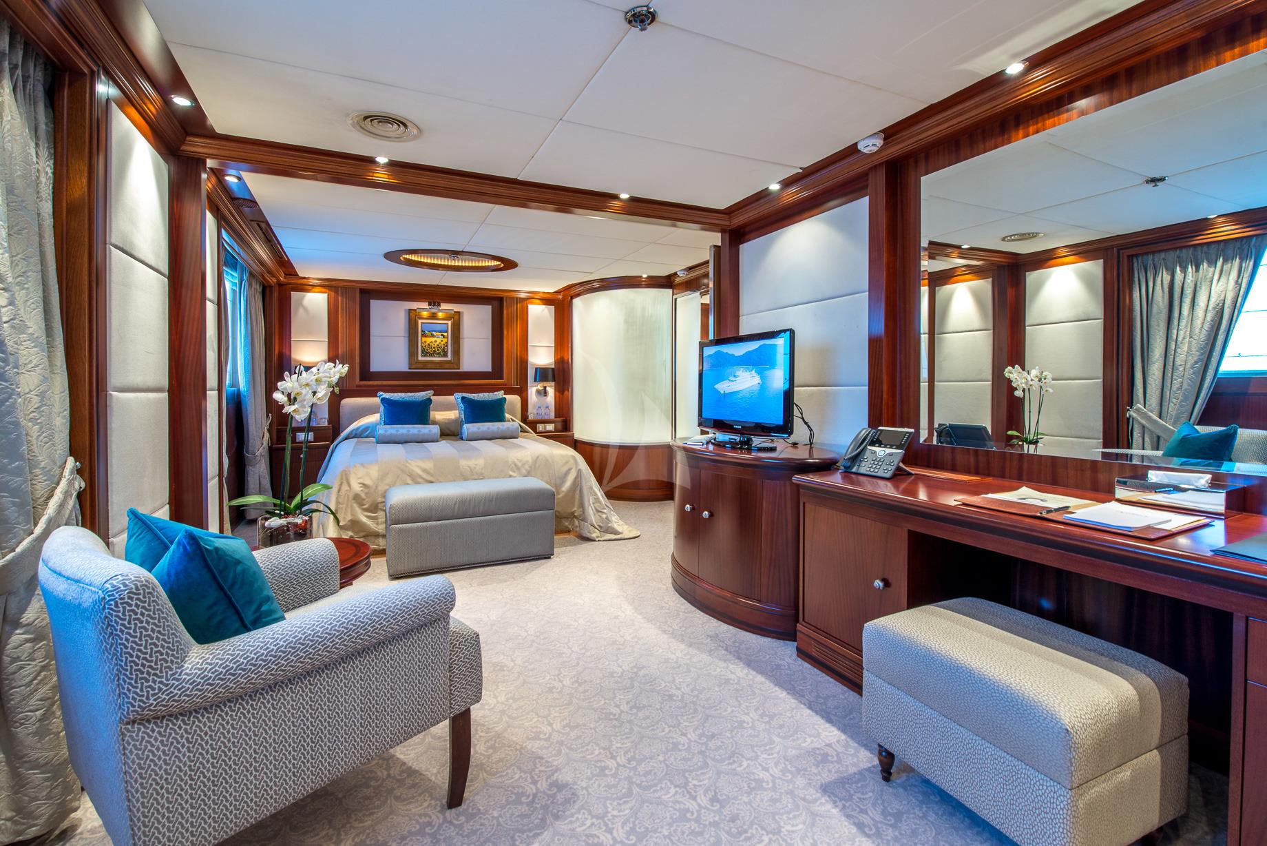 Greece_Luxury_Yachts_MY_LAUREN-L (24)