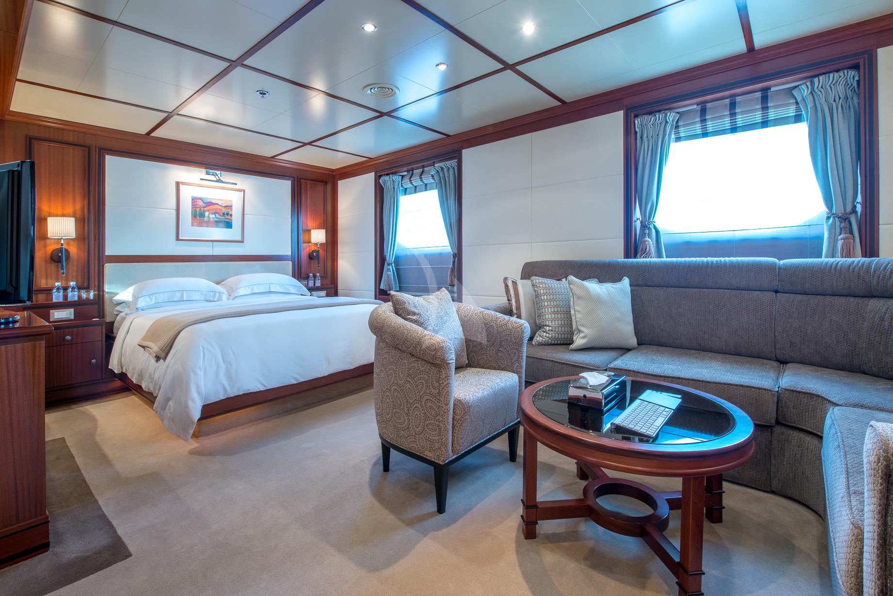 Greece_Luxury_Yachts_MY_LAUREN-L (28)