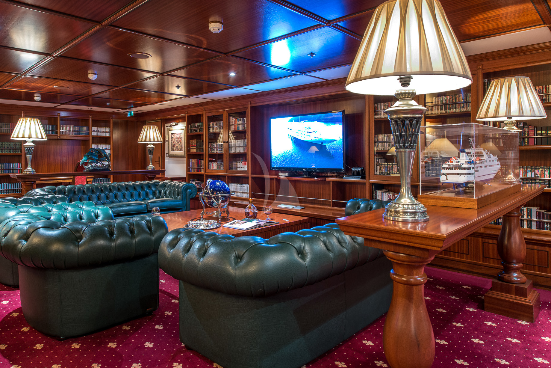 Greece_Luxury_Yachts_MY_LAUREN-L (34)