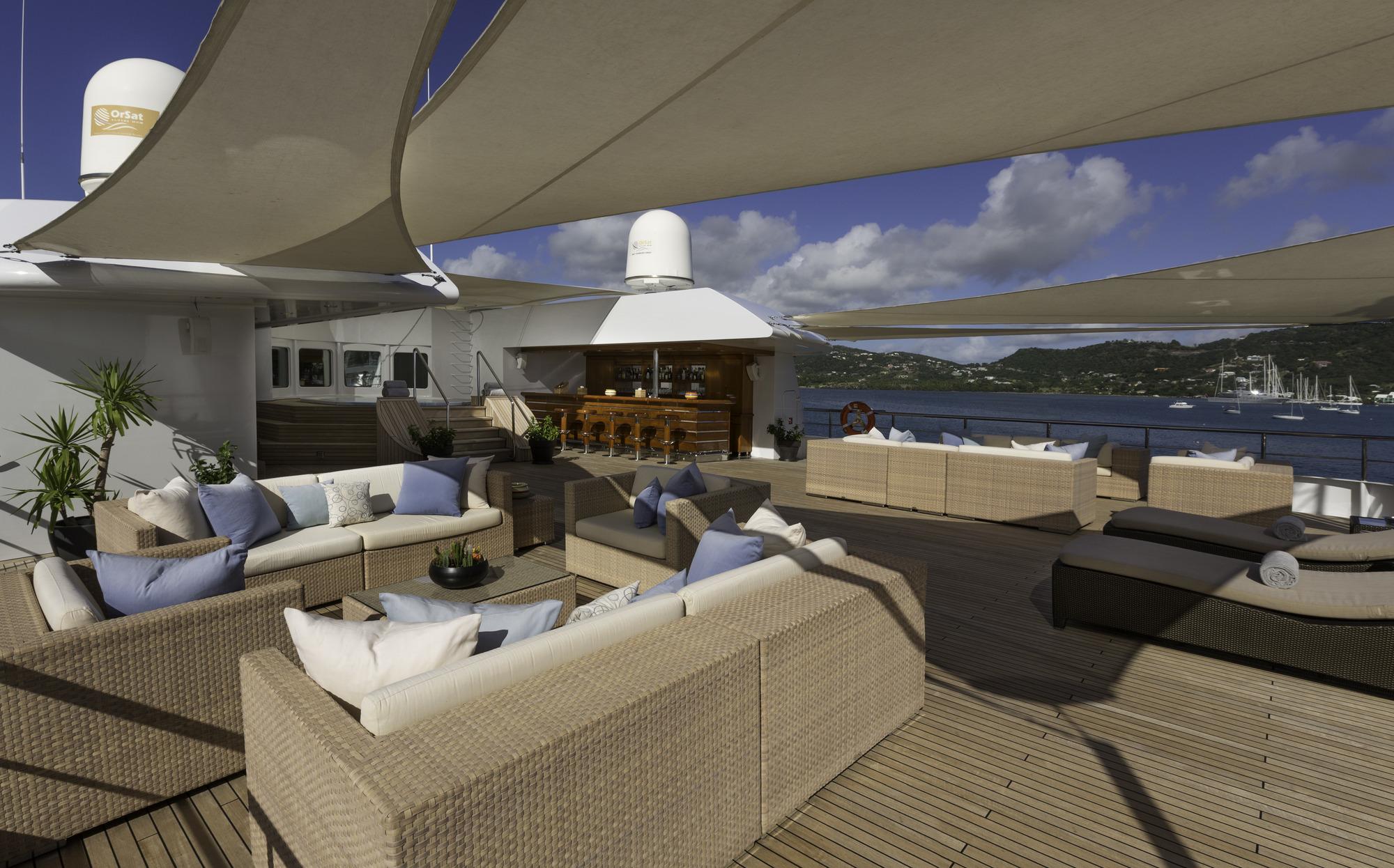 Greece_Luxury_Yachts_MY_LAUREN-L (5)