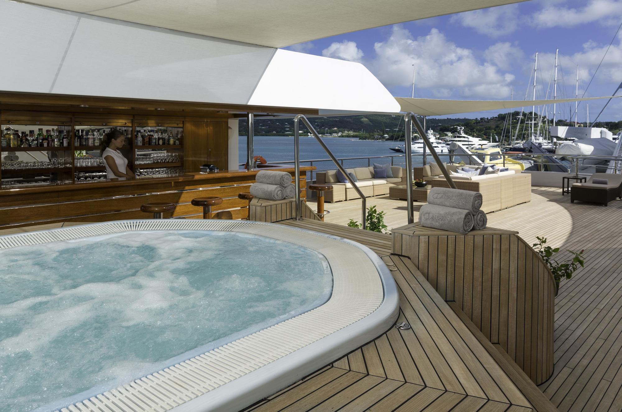 Greece_Luxury_Yachts_MY_LAUREN-L (9)