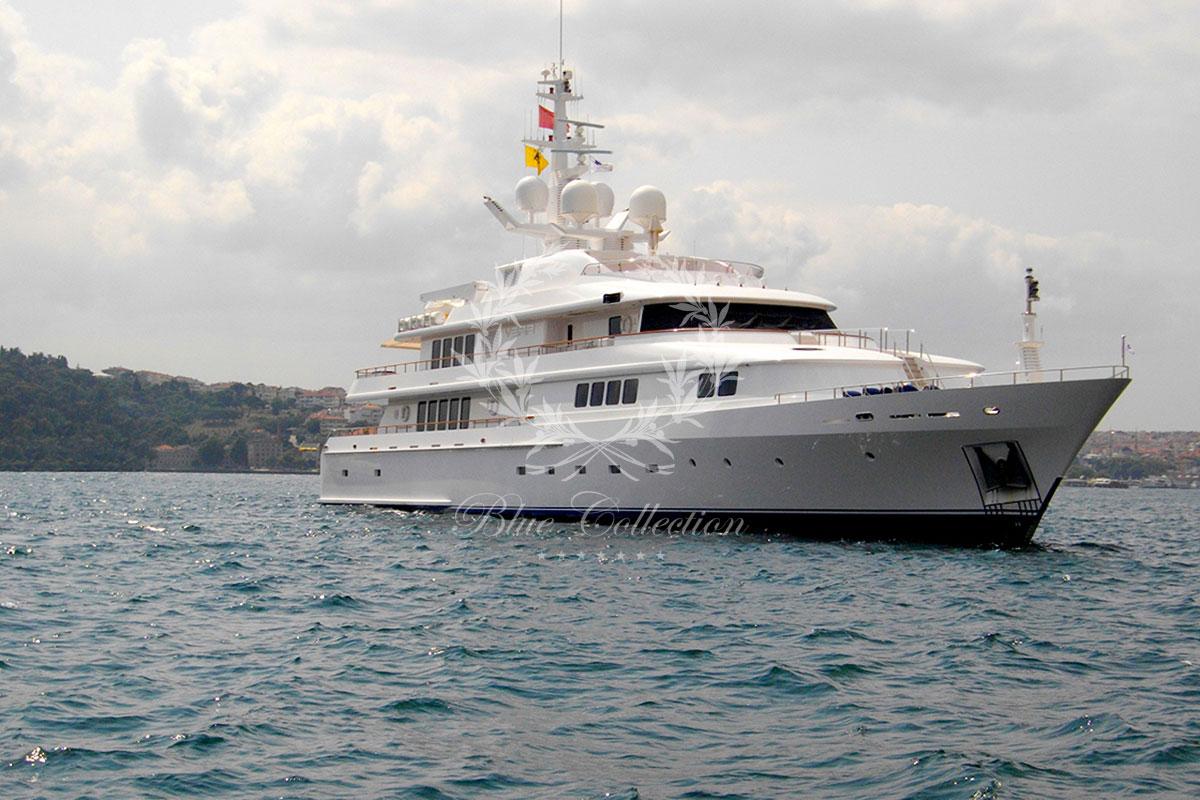 Greece_Luxury_Yachts_MY_VERA-(5)