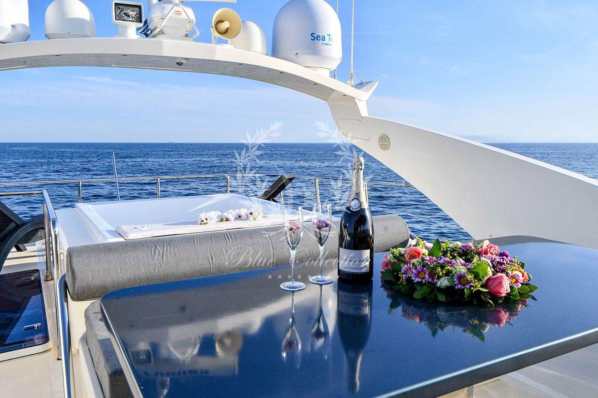 Greece_Luxury_Yachts_MY_AMERICA-(3)