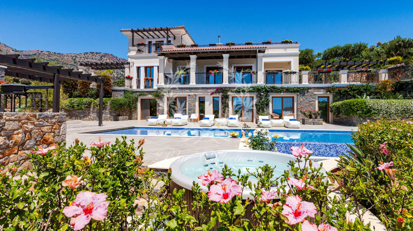Crete_Luxury_Villas_CRM-2-(2)